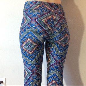 LuLaRoe Pants - Lularoe Tribal Soft One Size Leggings Wacky